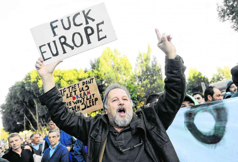 http://www.les-crises.fr/images/0820-dettes/0827-probleme-chypre/photo-chypre-europe-1.jpg