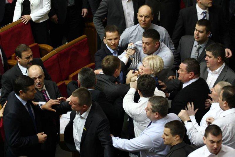 Tyahnybok et Parubiy au parlement
