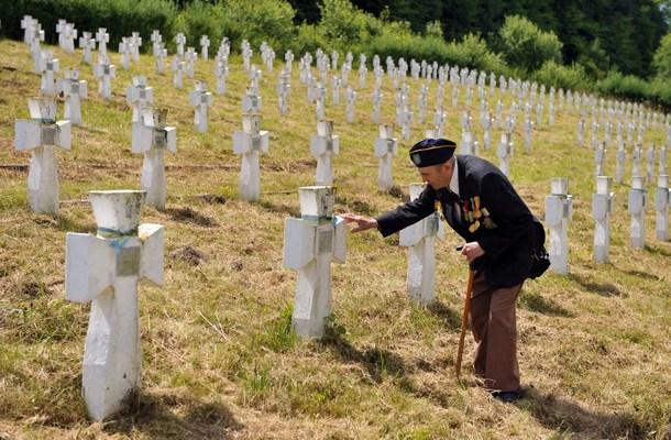 Cérémonie à Chervone, pour les 70 ans de la création de la Division SS Galicie