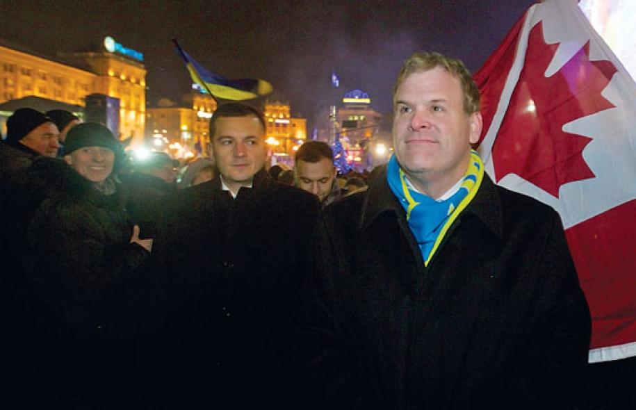 Affrontements en Ukraine : Ce qui est caché par les médias et les partis politiques pro-européens - Page 2 75-john-baird-ministre-affaires-etrangeres-canadien-maidan-04-12-2013