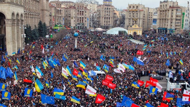 maidan euromaidan kiev ukraine protester manifestants fascistes néonazis nazis svoboda
