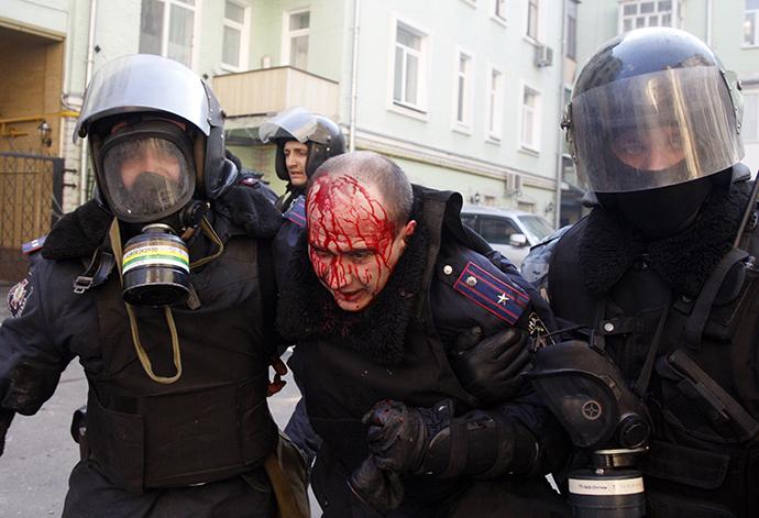 """""""Améliorer la déontologie""""   Violence-kiev-268"""